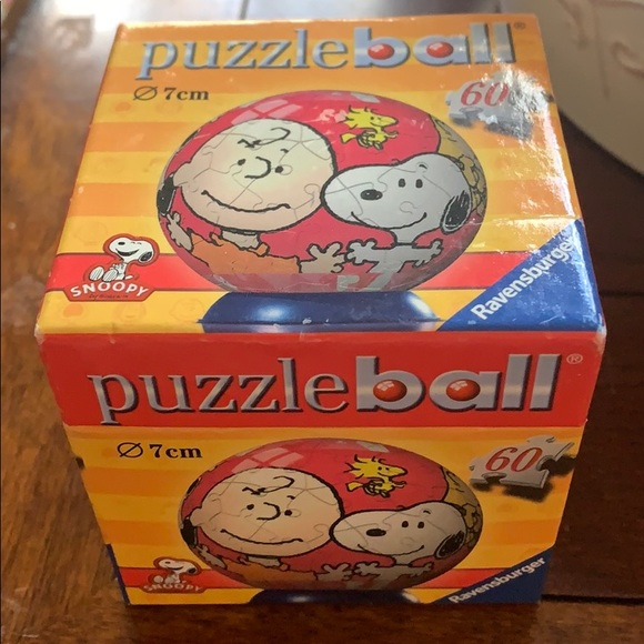 New Ravensburger 60 pc Snoopy Puzzle Ball